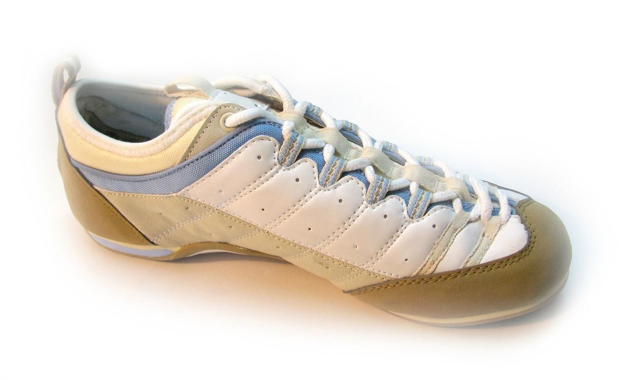 Dzieci powinny mieć zawsze nowe obuwie